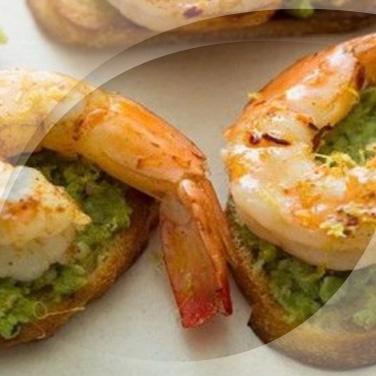 Tartines grillèes aux crevettes et courgettes