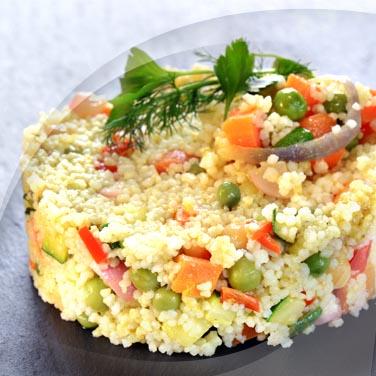 Salade de couscous avec Risopiù saucisses de Vienne