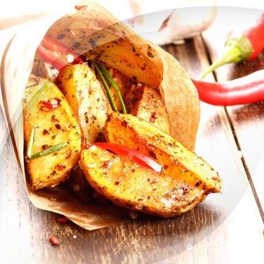 Pomme de terre, ail, huile, piment et romarin